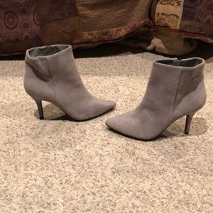 Steven Madden Gray suede bootie ankle heel boots